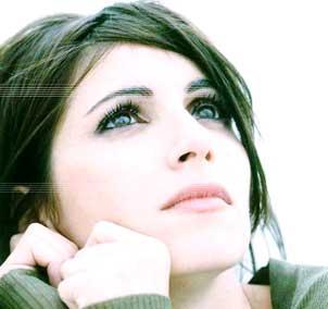 """Giorgia prima su iTunes, da venerdì nelle radio con """"E' l'amore che conta"""""""