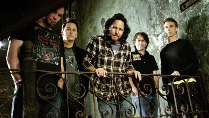 """Al cinema con """"Pearl Jam Twenty"""", i Pearl Jam annunciano il nuovo disco nel 2012"""