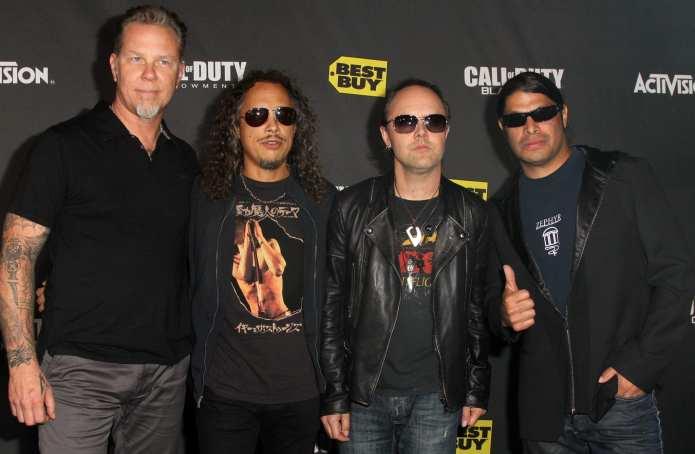 Metallica e fan violenti: la polizia arresta gli organizzatori del concerto annullato