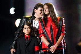I figli di Michael Jackson a Cardiff | © Dave J Hogan/Getty Images