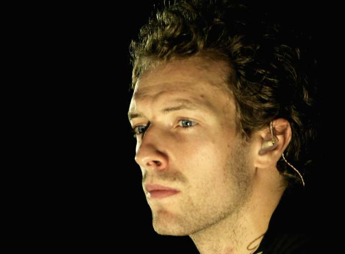 """I Coldplay omaggiano Adam Yauch con """"Fight For Your Right"""""""