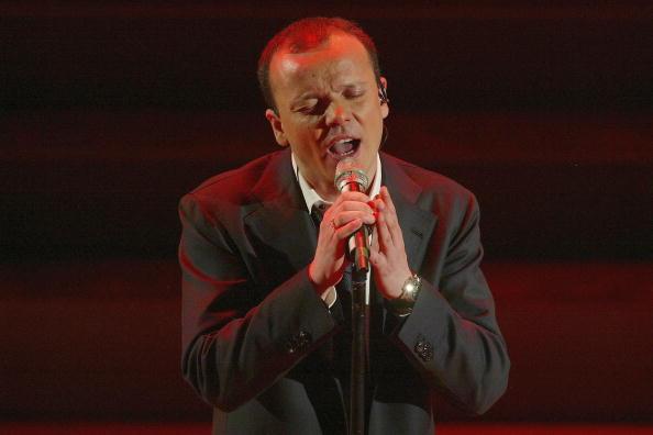 Sanremo 2012, Gigi D'Alessio si difende dalla possibile squalifica