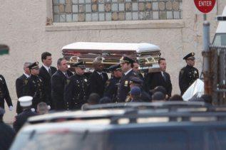 La salma di Whitney Houston arriva in chiesa | © Allison Joyce/Getty Images