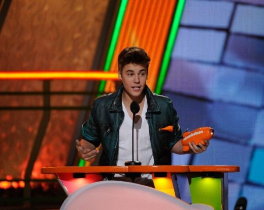 Justin Bieber pemiato ai Kids Choice Awards | © Kevork Djansezian/Getty Images