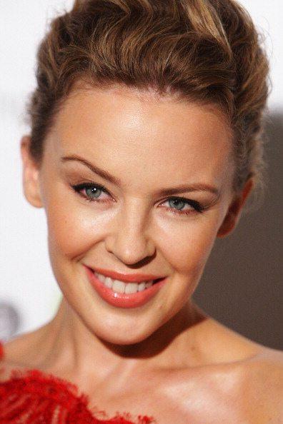 Kylie Minogue, un greatest hits per festeggiare i 25 anni di carriera
