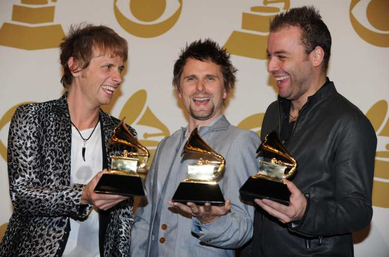 """I Muse annunciano """"The 2nd Law"""" ma è già polemica sul web"""