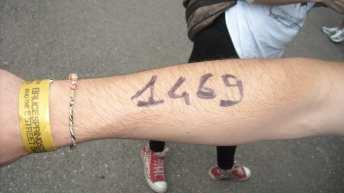 Numeri da 1 a 1500 assegnati agli aventi diritto al bracciale per la Zona Pit | © A. Moraca