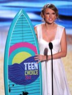 Taylor Swift riceve il premio | © Kevin Winter/Getty Images