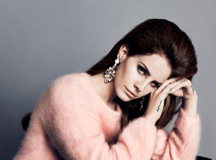 In attesa degli MTV Video Music Awards, Lana Del Rey posa per H&M