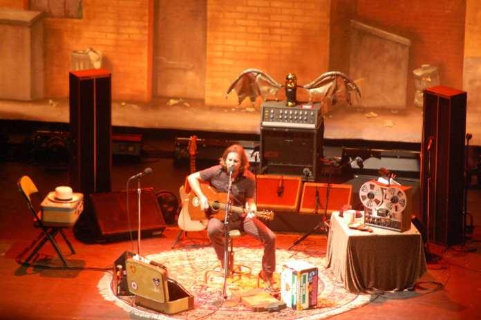 Eddie Vedder Europe Solo Tour: Hammersmith Apollo, Londra