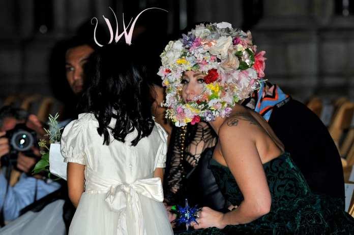 Lady Gaga è in dolce attesa, parola di Kelly Osbourne