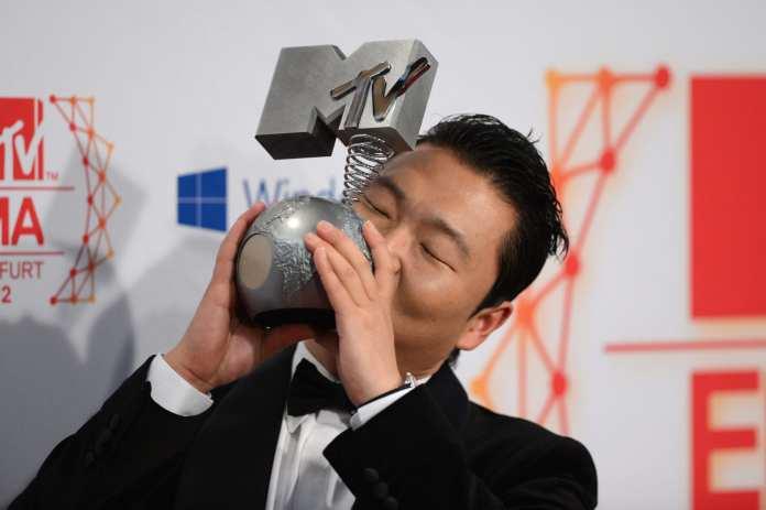 Gangnam Style, successo storico: è il video più cliccato di YouTube