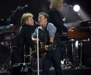 Bruce Springsteen & Bon Jovi - 12.12.12 | ©  DON EMMERT/AFP/Getty Images