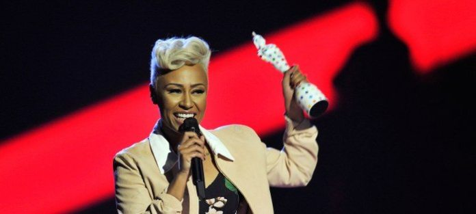 Emeli Sandé regina dei Brit Awards 2013, suo il miglior disco UK