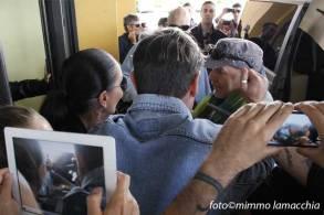Vasco Rossi con i fan   © Mimmo Lamacchia