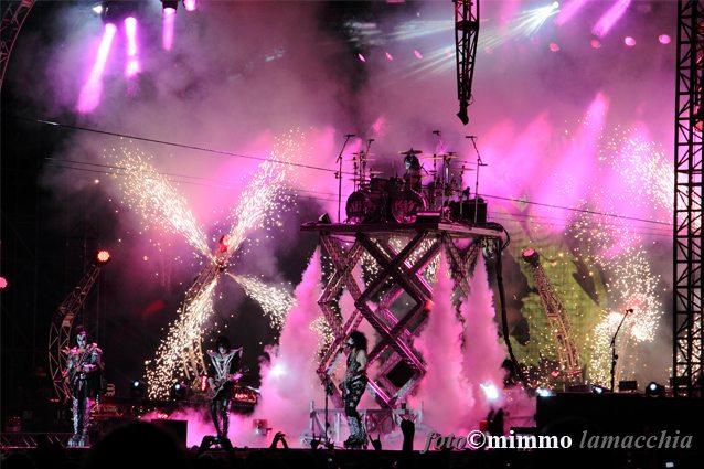 Maestoso il palco dei Kiss | © Mimmo Lamacchia