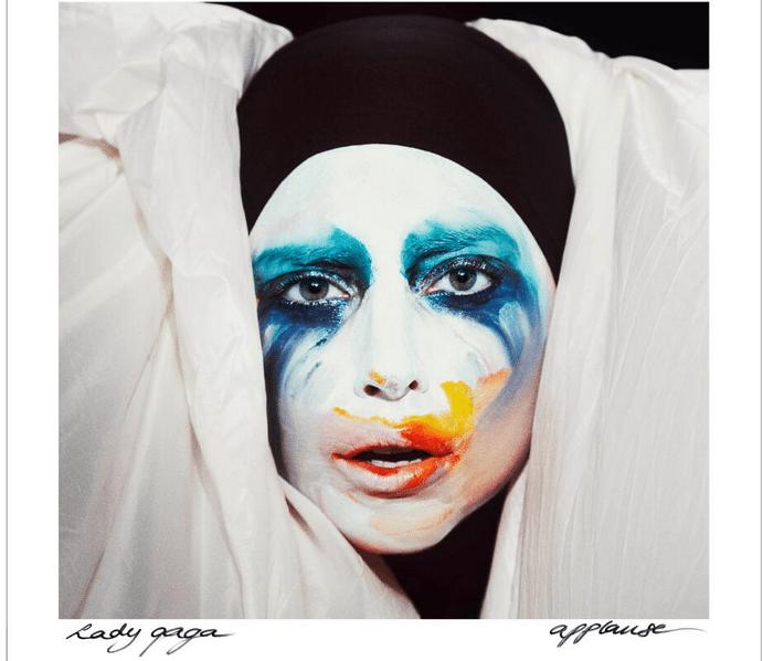"MTV Music Awards 2013: Lady Gaga torna in pista con ""Applause"""