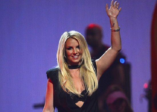 "Britney Spears bomba sexy nel video di ""Work Bitch"""