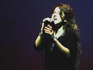 Angela Cervantes   © Melodicamente