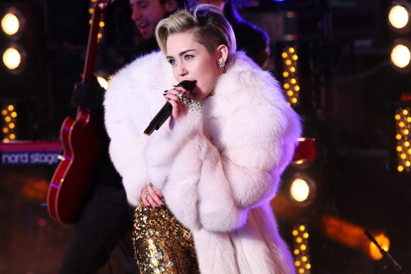 Miley Cyrus live a Times Square | © Neilson Barnard/Getty Images