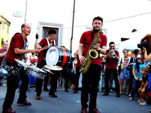 Fantomatik Orchestra in piazza Spirito Santo | © Melodicamente