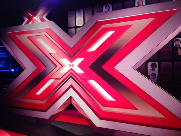 Parte X Factor 8, primo ospite Tiziano Ferro
