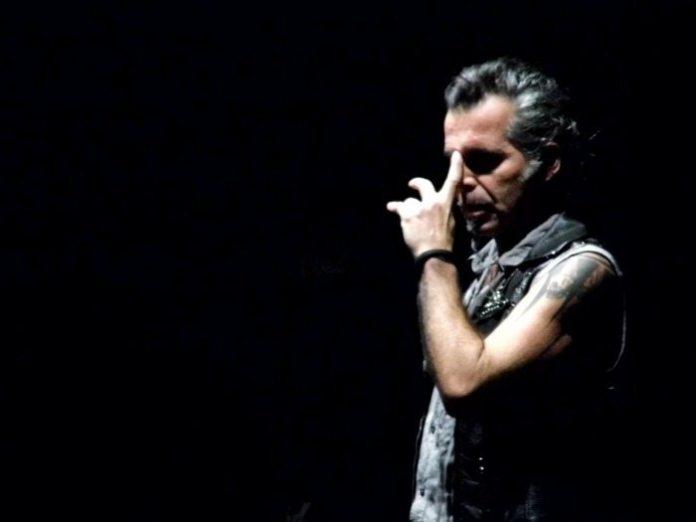Piero Pelù chiede 30 secondi di silenzio | © MelodicaMente