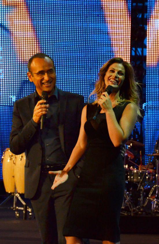 Carlo Conti e Vanessa incontrada presentano la 9° edizione dei Wind Music Awards
