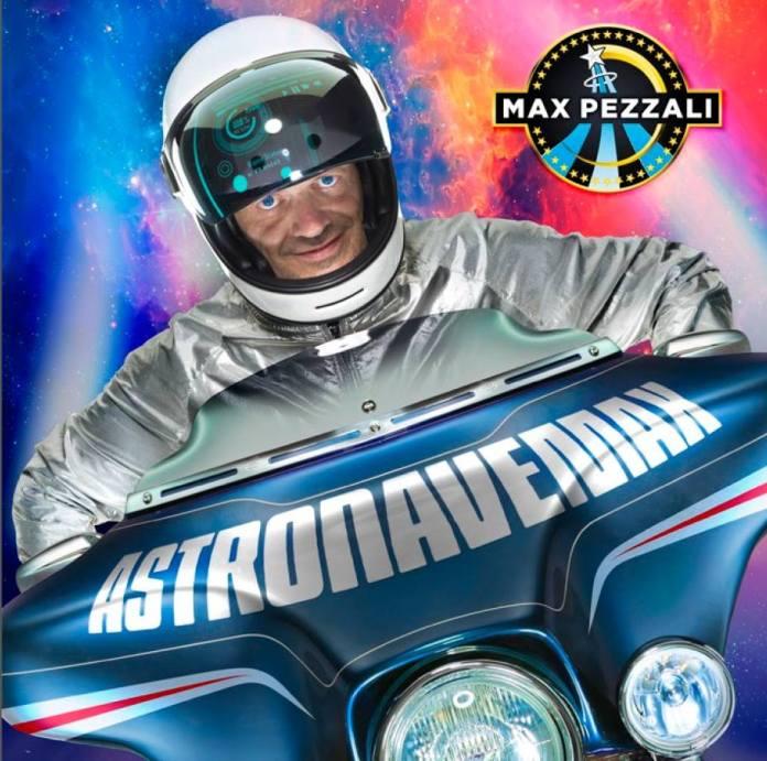 """Max Pezzali presenta """"Astronave Max"""""""