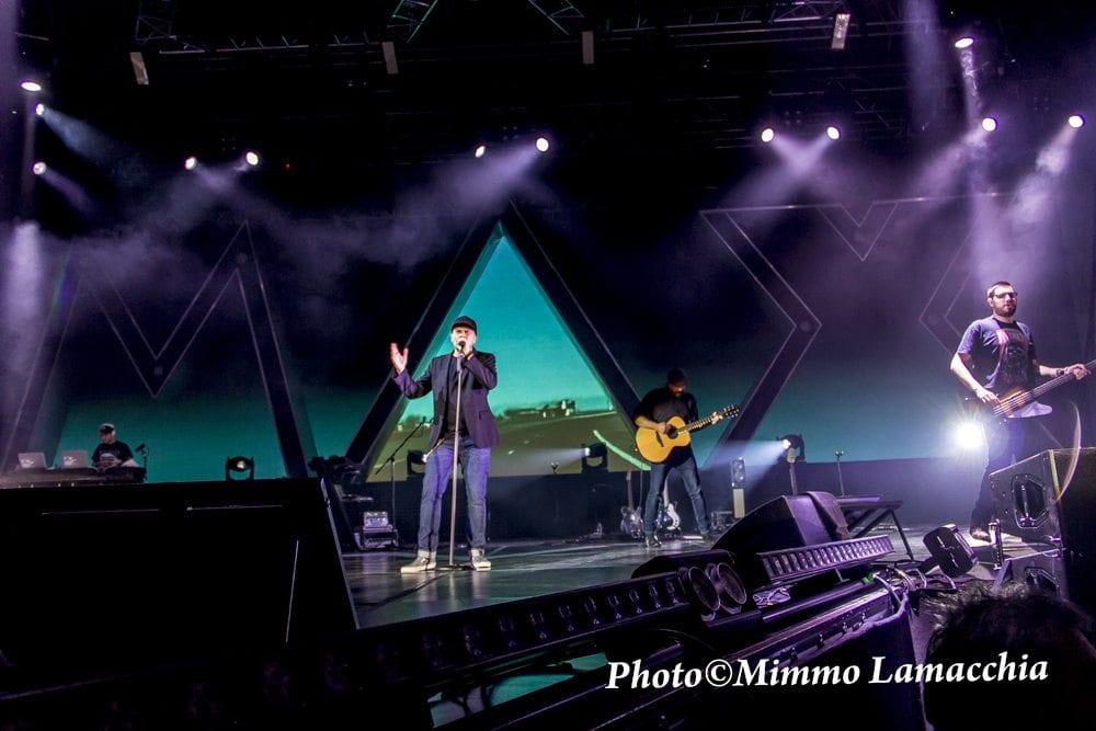 Max Pezzali al Kioene Arena di Padova con il suo Astronave Max Live Tour 2015