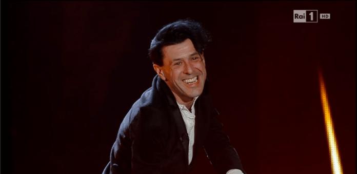 Sanremo: Ezio Bosso commuove, gli Elii trascinano l'Ariston