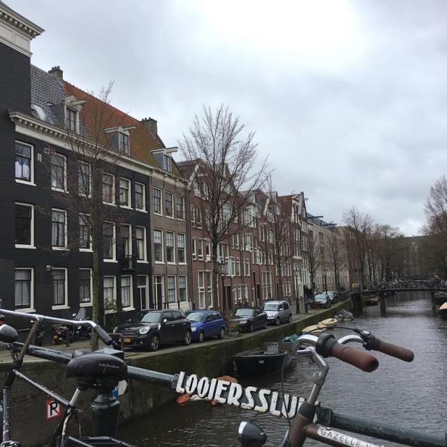Il y a une semaine je parcourais les rues dAmsterdamhellip