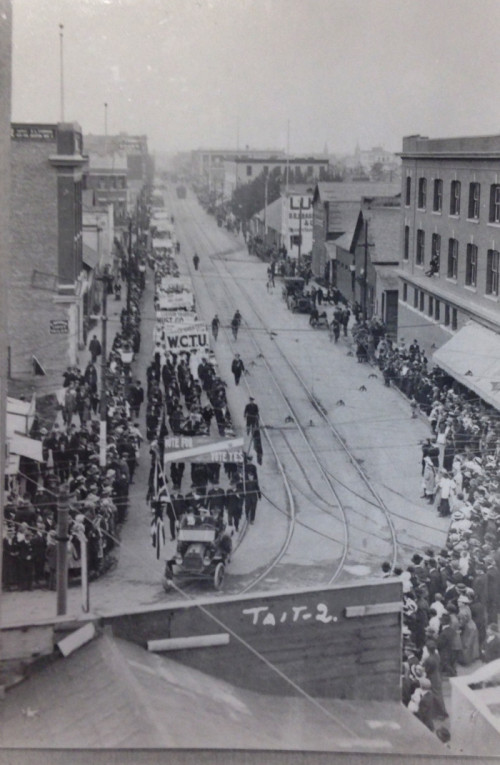 Edmonton's Prohibition parade down Jasper Ave on July 1915. The Pride Parade is so much better.