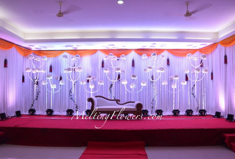 Types Of Wedding Stage Decoration And Its Growing Popularity Wedding Decorations Flower Decoration Marriage Decoration Melting Flowers Blog