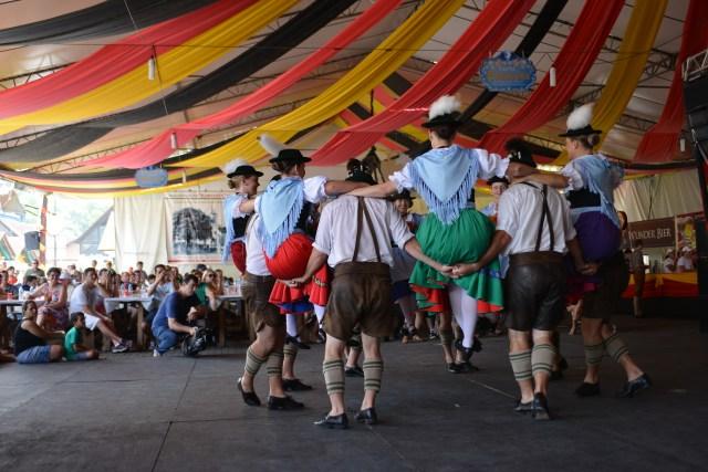 Os grupos folclóricos também vão animar o público. Imagem: Daniel Zimmermann