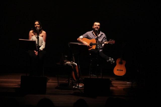 Mareike Valentin e Edu Colvara protagonisam espetáculo com canções de Edu e Gregory Haertel. Imagem: Léo Kufner