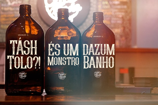 Growlers da Cervejaria Côza Linda fazem parte da ação. Imagem: Divulgação