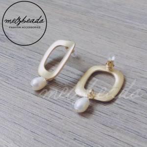 Freshwater Pearl Rectangular Matt Gold Dangle Earrings