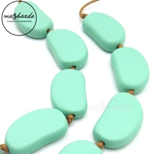 Bayleaf Wooden Bead Light Green Necklace