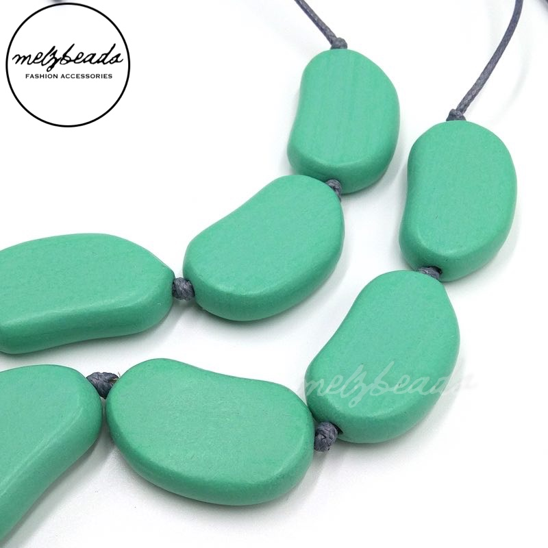 Bayleaf Wooden Bead Light Green Necklace