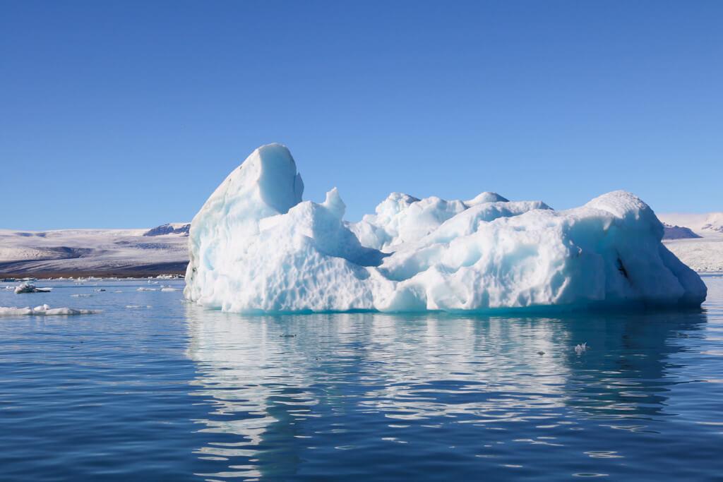 An iceberg in Jokulsarlon lagoon