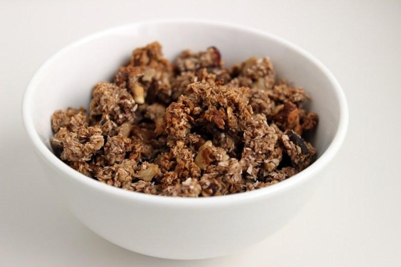 Granola for yogurt bar toppings