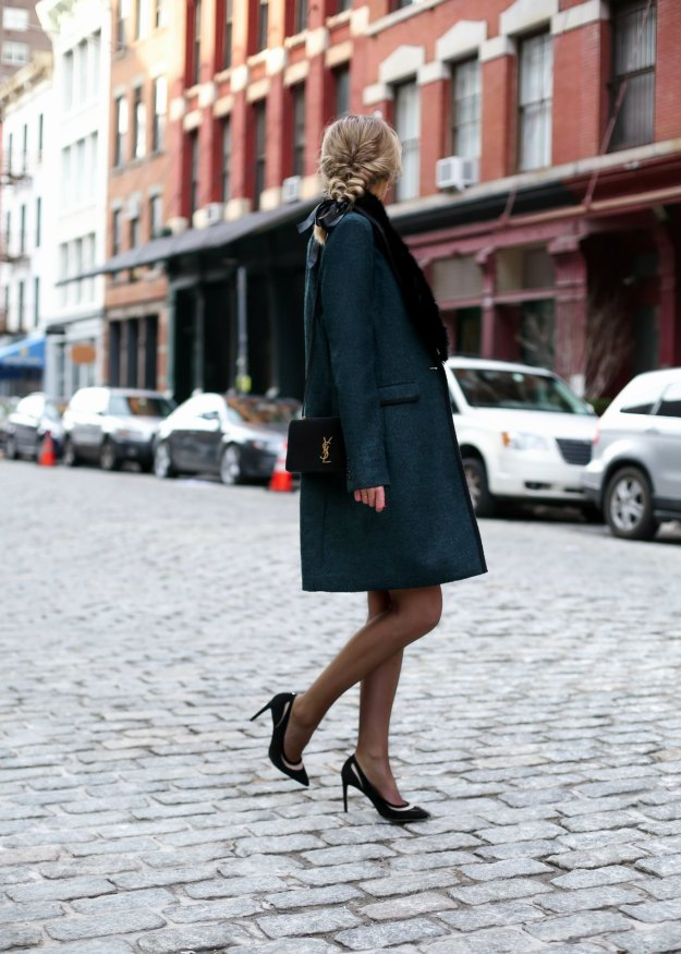 banana-republic-emerald-green-black-piped-coat-faux-fur-removable-collar-pencil-skirt-work-wear-office-style-professional-women-fashion-blog-style-memorandum3