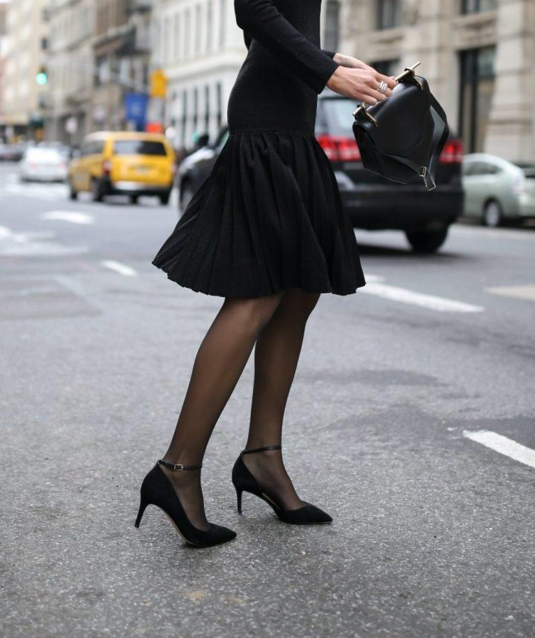 Resultado de imagen de black sheer tights outfit