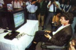 Senna jogando Mega Drive