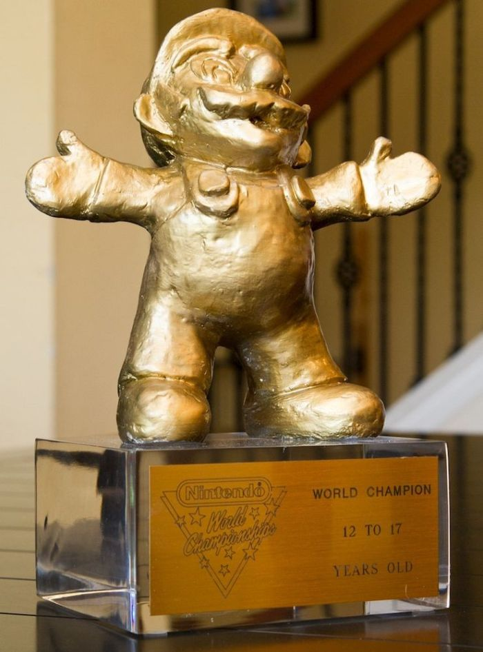 1990 Nintendo World Championship Gold Trophy Mario