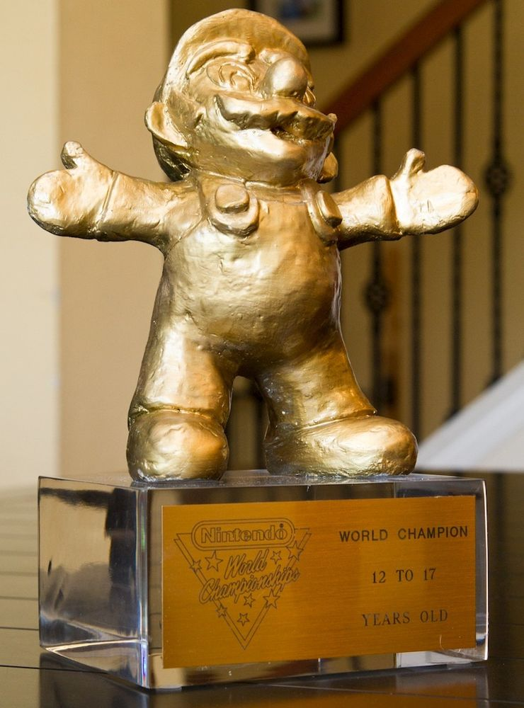 1990 Nintendo World Championship Gold Trophy Mario