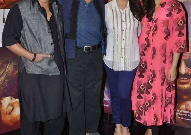 Team Of Dedh Ishqiya Movie Promote At Mumbai