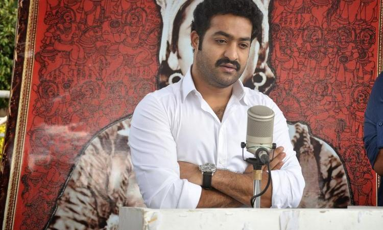 Jr. NTR At Akkineni Nagesh Rao Death