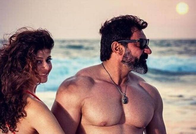 Are Pooja Batra and Nawab Shah the New 'Hottest Celebrity Couple'?
